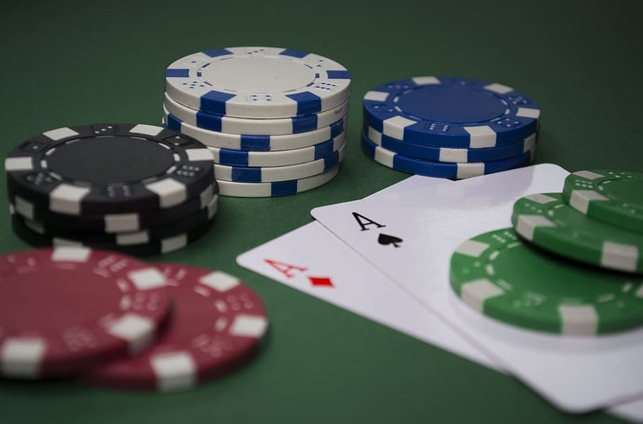 Seven Issues Your Mom Should Have Taught You About Online Casino